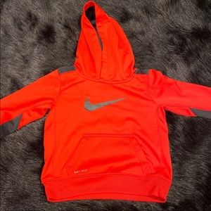 Red nike 3t